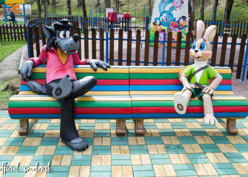 В Лопатинском саду появились Волк и Заяц из «Ну, погоди!»