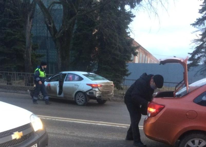 Попытка остановить водителя в Смоленске обернулась погоней