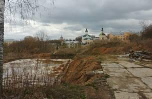 В Смоленске вместо элитной гостиницы возникла самовольная постройка
