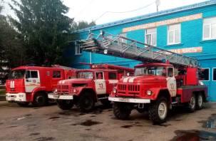 Два дома, баня и гараж горели в Смоленской области днем 11 апреля