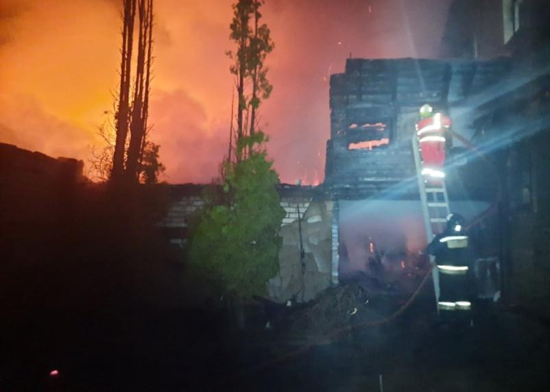 В Смоленском районе произошел серьезный пожар