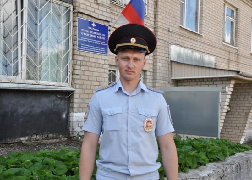«Счет шел на минуты». Полицейский спас лежащего в крови на дороге смолянина