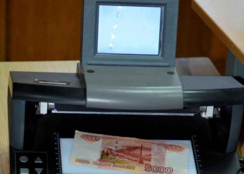 Смоляне продолжают расплачиваться в магазинах фальшивыми деньгами