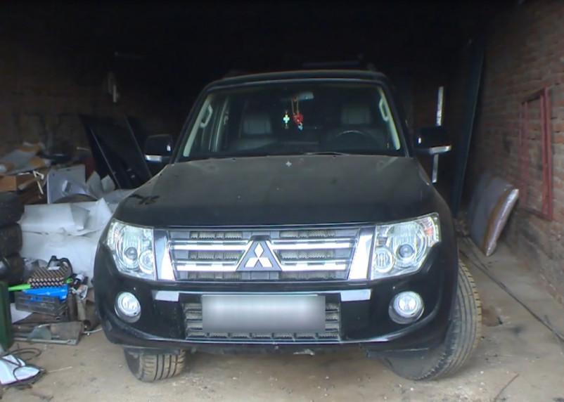 В Смоленске нашли похитителя внедорожника Mitsubishi Pajero