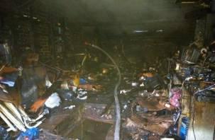 Гараж выгорел полностью. Появились подробности ночного пожара в Смоленске