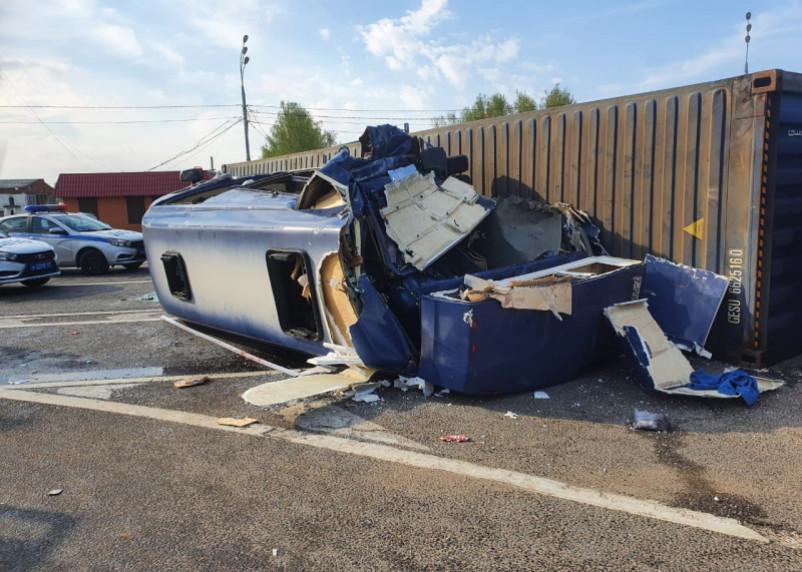 Прокуратура проводит проверку по факту ДТП с 13 пострадавшими в микроавтобусе