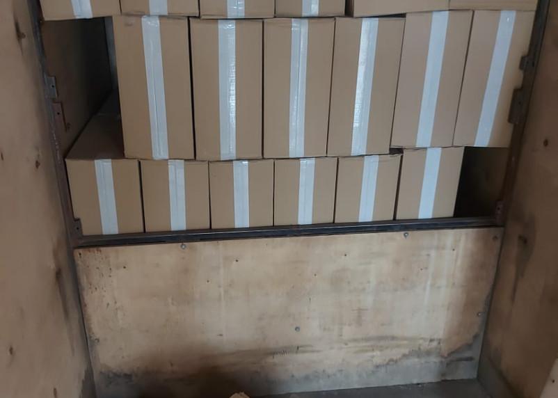 Смоленские пограничники нашли контрафакт за двойными стенками Газели