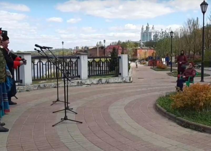 В Смоленске проходят концерты для ветеранов Великой Отечественной войны