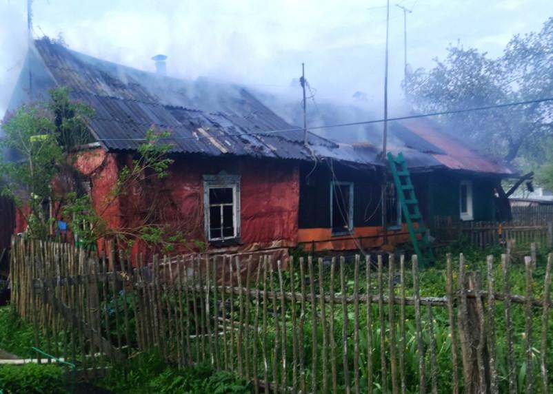 В Сафонове загорелся трехквартирный дачный дом