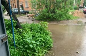 В Смоленске жители Воробьева сутками не могут выйти из дома