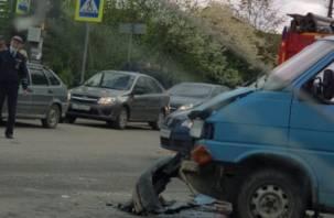 Шесть пассажиров в больнице. Подробности ДТП с маршруткой в Смоленске