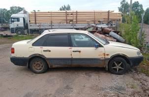 В Смоленском районе дружеское застолье закончилось угоном автомобиля