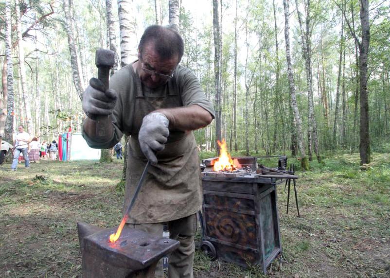 На Гнёздовских курганах построят судоверфь