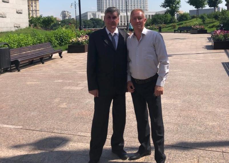 Экс-мэр Смоленска сменил белый костюм на черный