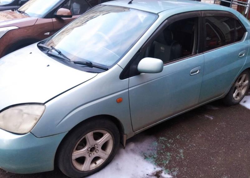 В Смоленске из-за короткого замыкания едва не сгорел автомобиль