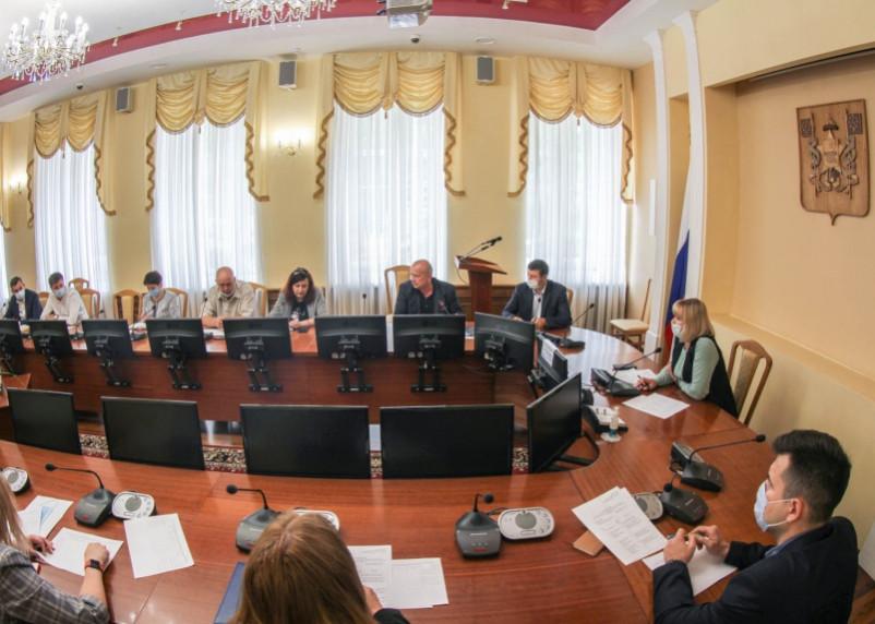 Стало известно, какие дворовые территории благоустроят в Смоленске в 2022 году