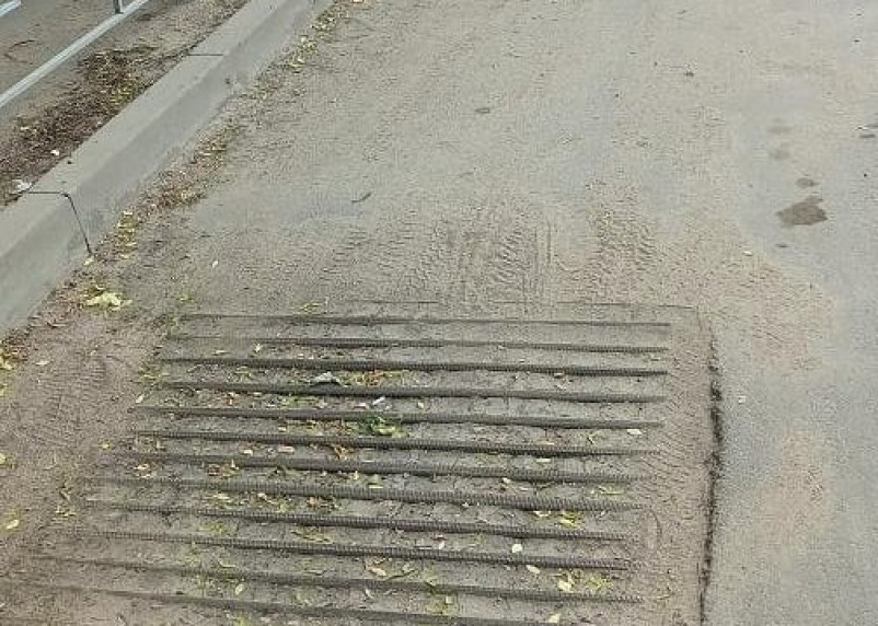 Смоляне возмущены состоянием ливневок и уборкой в городе