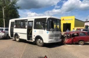 Подробности ДТП с автобусом и легковушкой в Вязьме