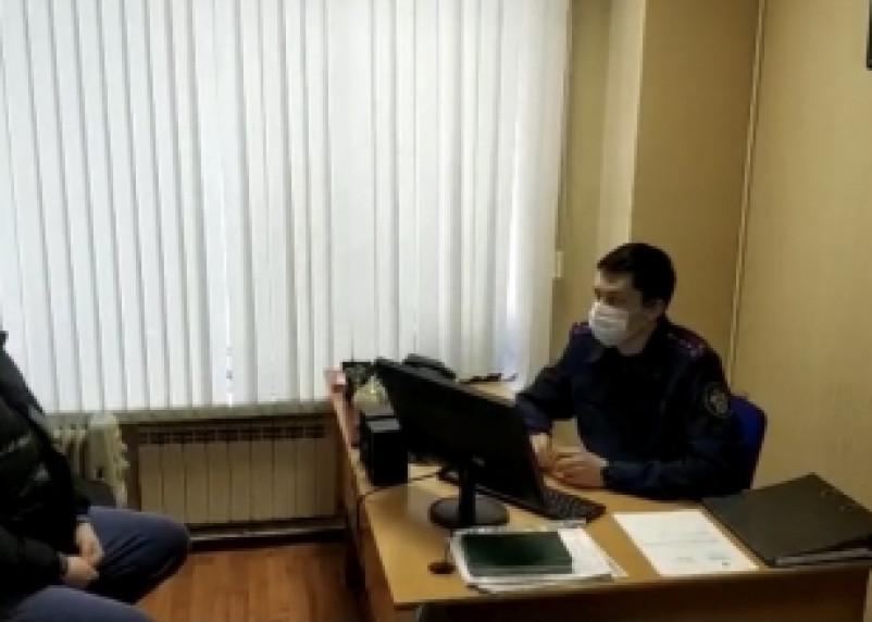 Сотруднику Смоленской таможни дали взятку 10 тысяч долларов
