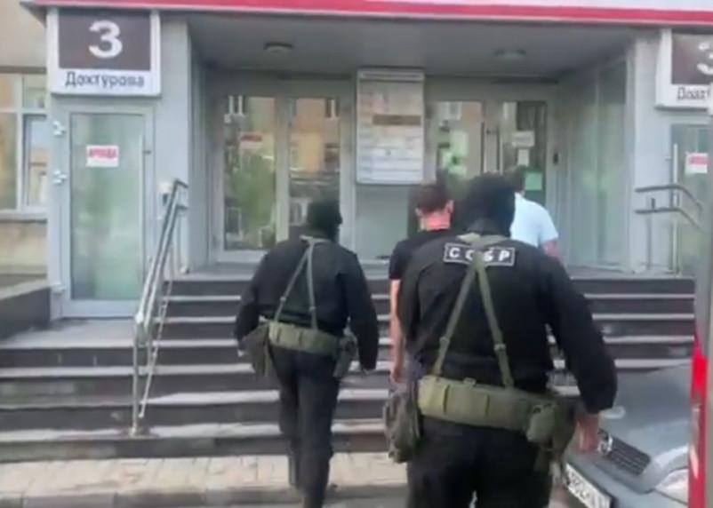 Организовывал незаконную торговлю. Смоленского чиновника задержали за систематические взятки