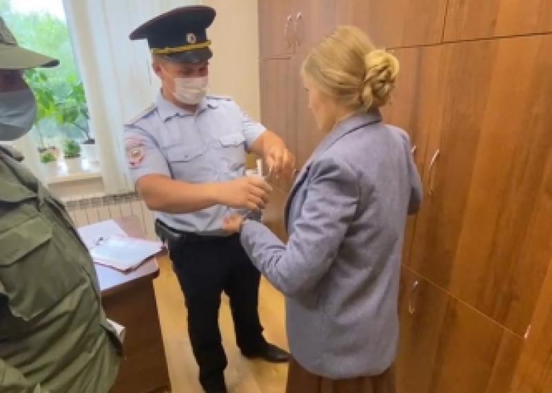 В Смоленской области задержана начальник управления по строительству и ЖКХ