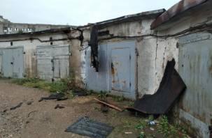 На Нормандии-Неман в Смоленске загорелся гараж