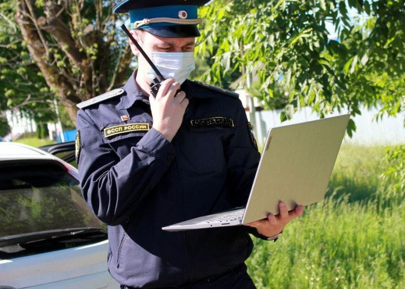 Приставы взыскали компенсацию морального вреда с виновника ДТП, в котором пострадал пешеход