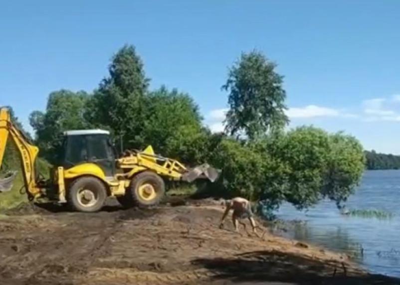 В Дирекции особо охраняемых природных территорий Смоленской области прокомментировали захват пляжа на озере Акатовское