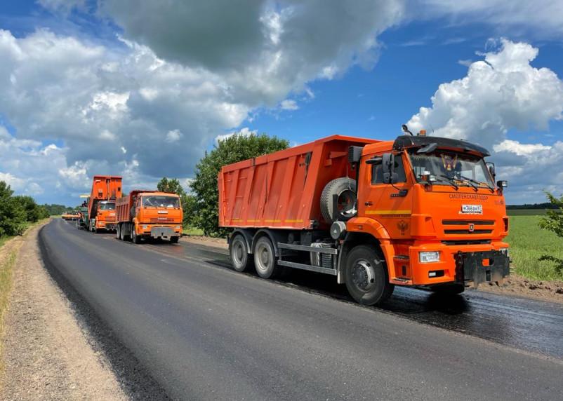 В Починковском районе идет ремонт дороги по нацпроекту