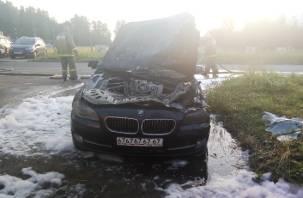 Полицейские заметили загоревшуюся машину и привлекли к тушению «поливашку»