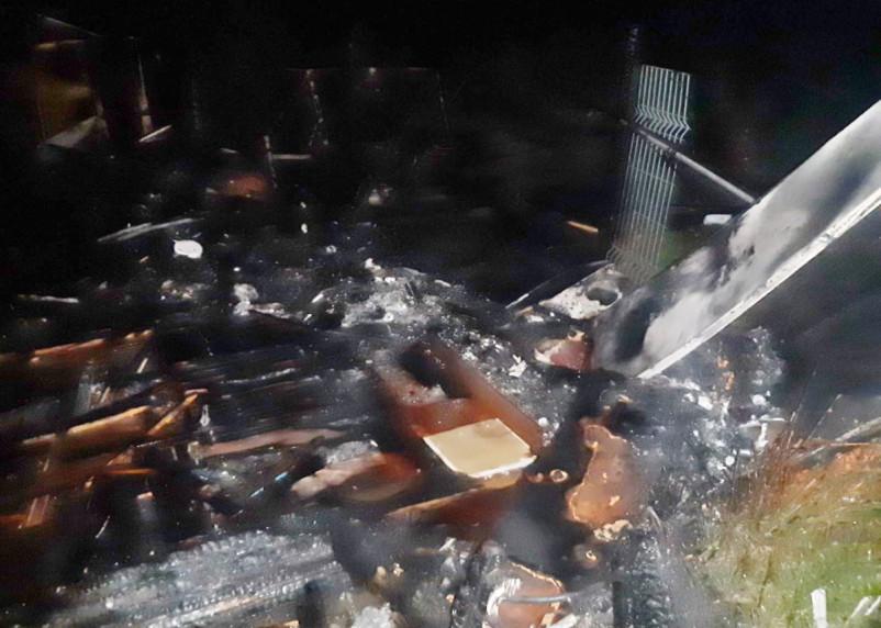 Смолянин вынес брата из огня и поливал со шланга дом до приезда пожарных