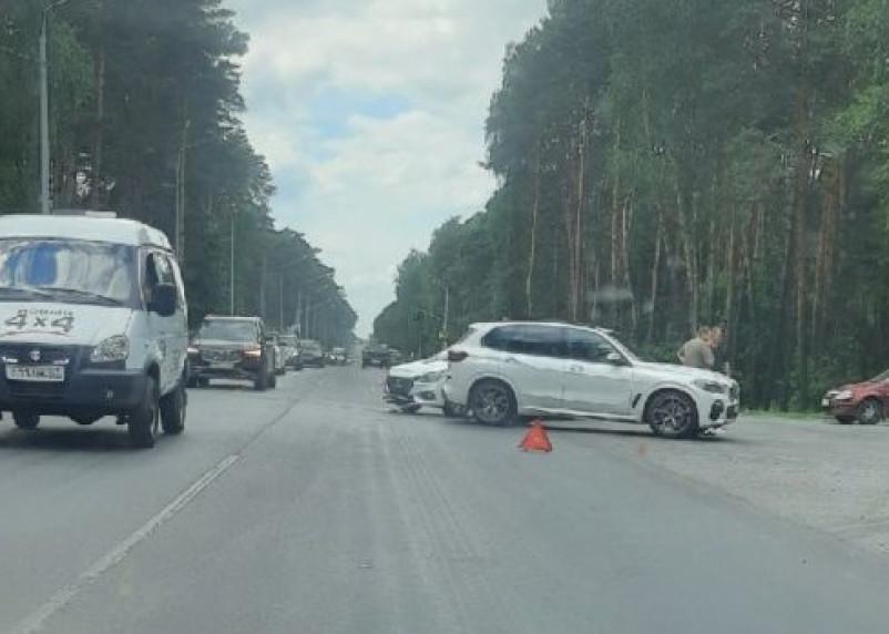 В Смоленске авария в Красном бору спровоцировала пробку