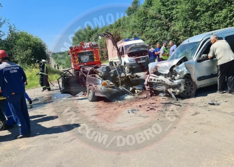 В столкновении автомобилей в Кардымовском районе пострадал человек