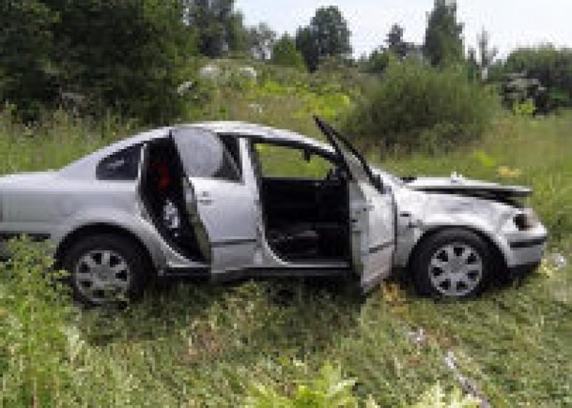 В Смоленском районе иномарка вылетела в кювет. Водитель госпитализирован