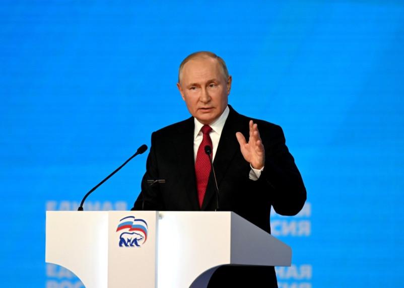 Военные, курсанты и полицейские получат по 15 тысяч рублей