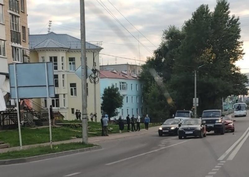 В Смоленске произошло тройное ДТП