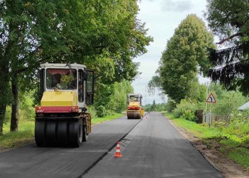 В Смоленскавтодоре рассказали, как подрядчик ремонтирует дорогу Демидов – Рудня