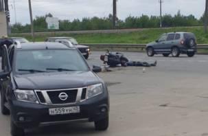 В Смоленске на нефтебазе жесткое ДТП с мотоциклистом. Видео последствий аварии
