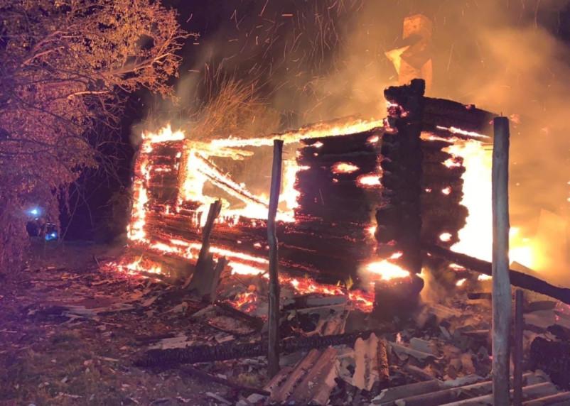 Пожар на кухне лишил сафоновца дома