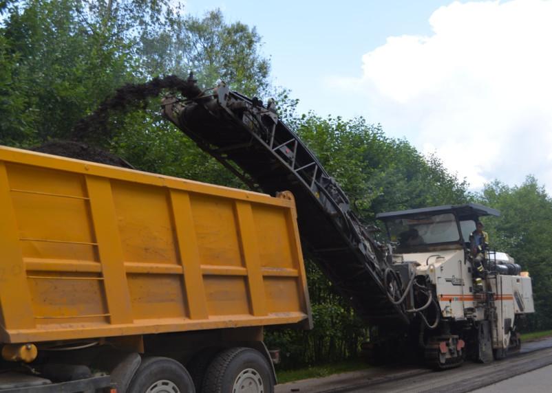 Подрядчик приступил к ремонту дороги в Сафоновском районе