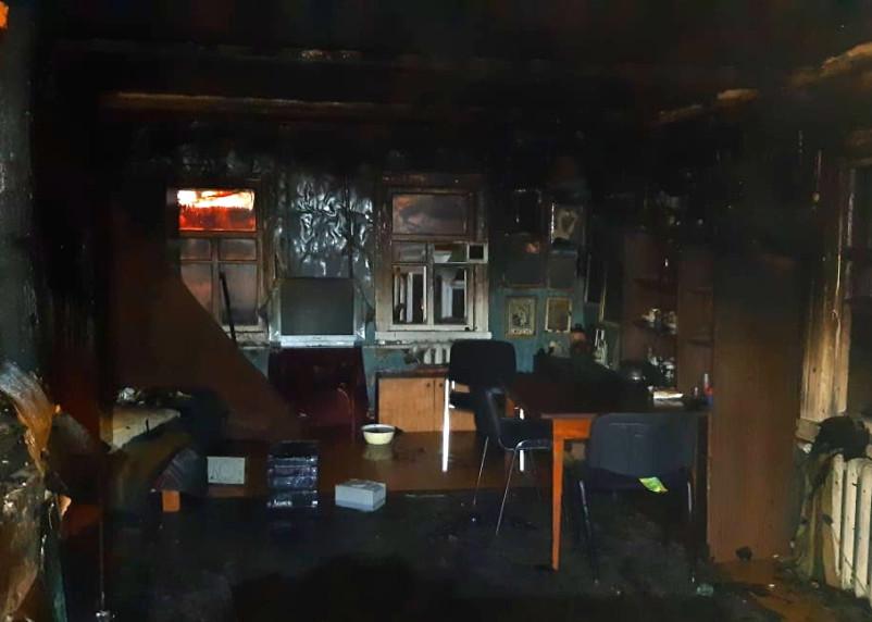 Ночной пожар в Вязьме повредил жилой дом