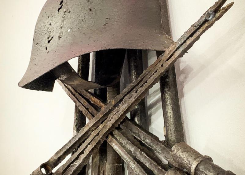 Ещё не экспонат, но уже арт-объект. В Смоленске появилась композиция из находок времён войны