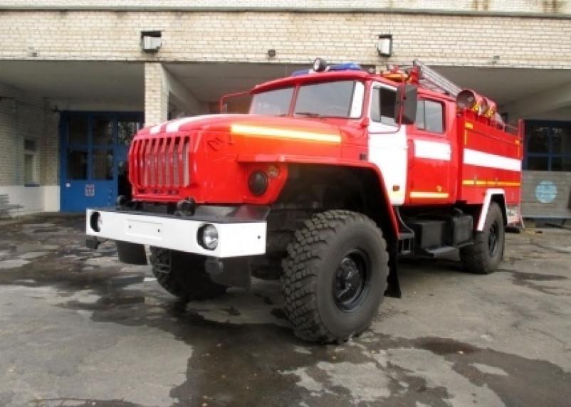 В Гагарине огонь повредил моторный отсек «Форда»