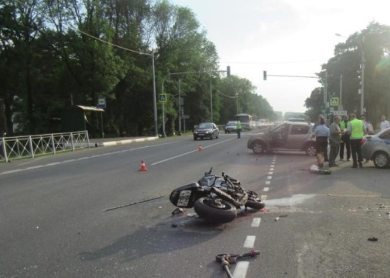 В Смоленской области ищут свидетелей ДТП, в котором погиб мотоциклист