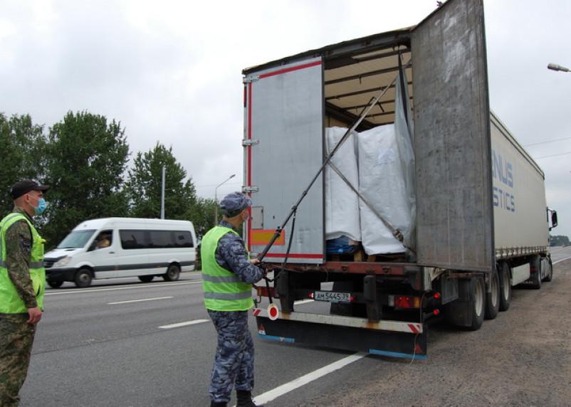 Больше трёх миллионов килограммов контрабанды задержали смоленские таможенники