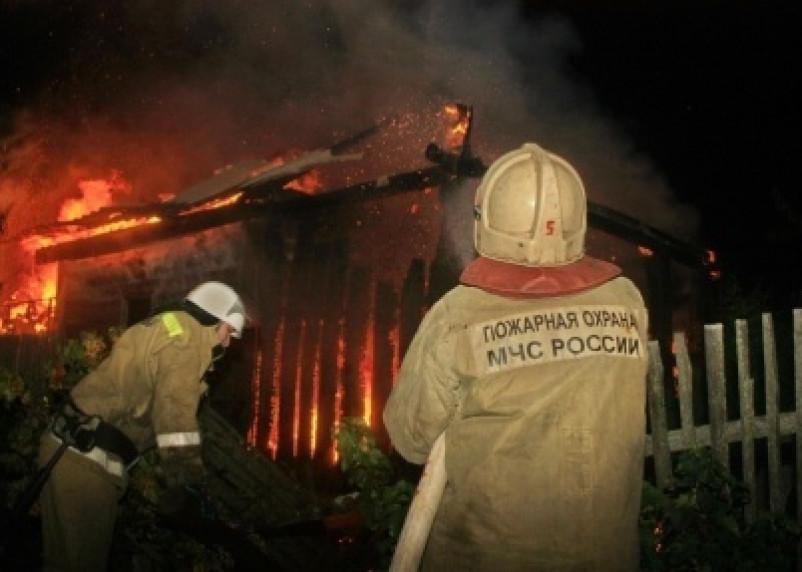 В Смоленском районе вспыхнул частный дом
