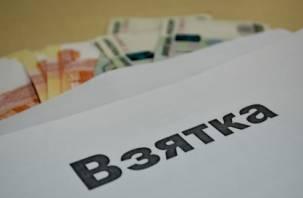 В Смоленске бывшего сотрудника автодорожного надзора будут судить за получение взяток