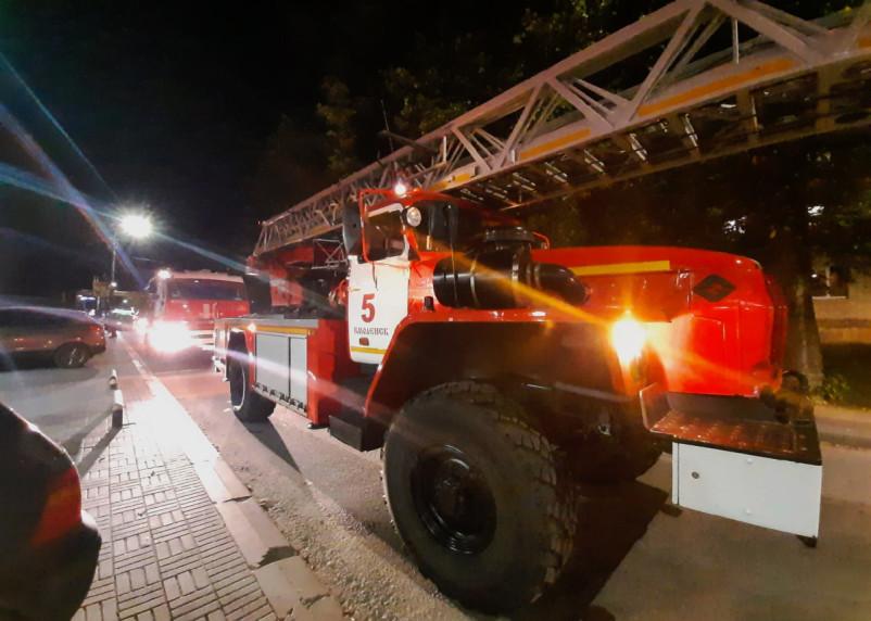 Пожарная эвакуация. В Смоленске из горящего дома вывели двадцать человек