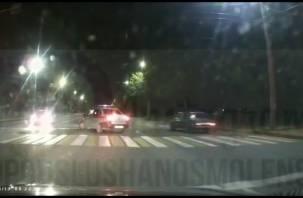 В Смоленске на Шевченко сбили пешехода. Инцидент снял видеорегистратор