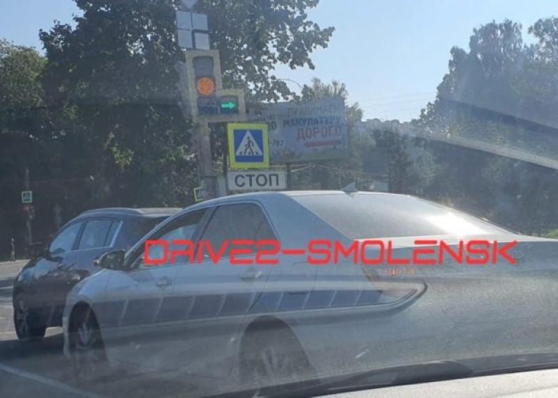 В Смоленске ДТП спровоцировало гигантскую пробку